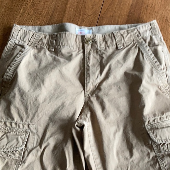 Men's gap 32X 34 khaki cargo pants